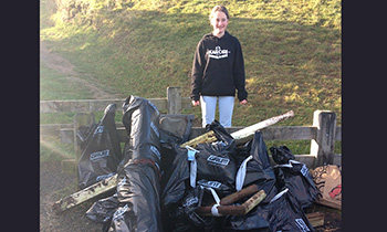 Marsden student organises rubbish collection