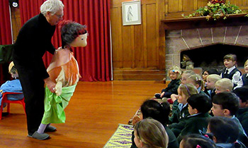 Marsden Preschool and Y1-3 Primary students enjoy performance by Little Dog Barking Company